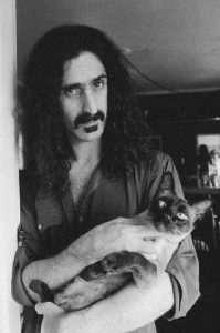 frank-zappa-et-son-chat